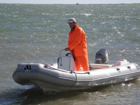 MOON 560 RIB ribs rigid inflatable boats fishing sharks. Semirrigidas neumaticas inflables pesca tiburon
